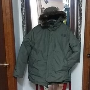 North Face 550 fill down jacket size men's lg